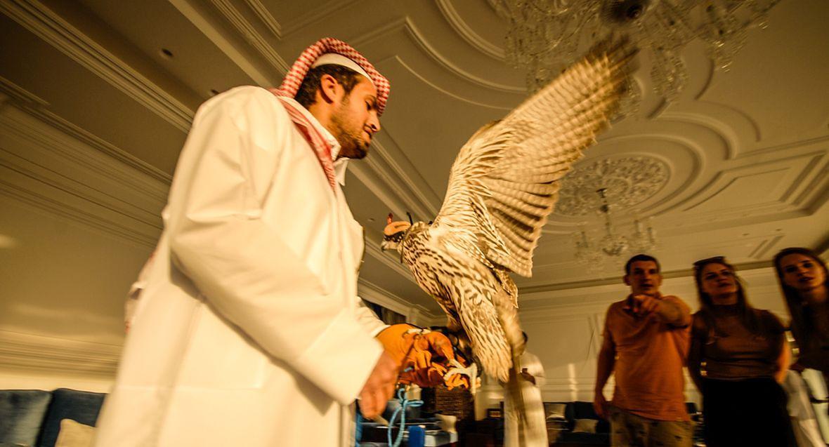 Katarczycy pokochali gołębie, ale pierwsze miejsce w ich sercach nadal zajmują sokoły