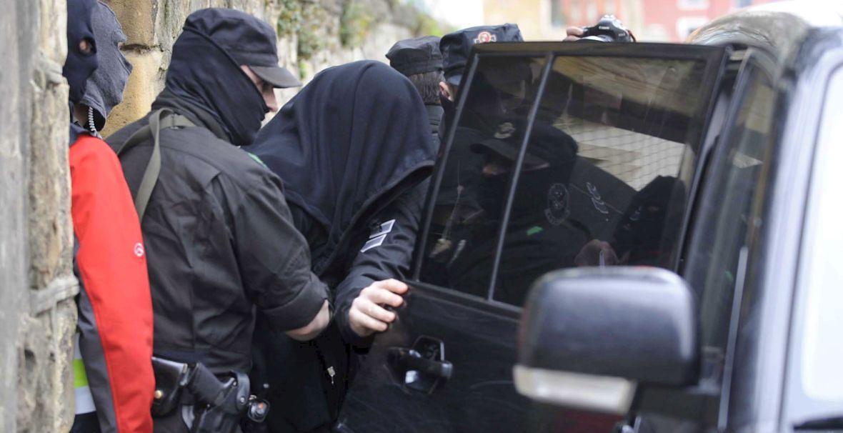 Algorta. Hiszpańska policja zatrzymuje gangstera podczas operacji wymierzonej w rosyjską i gruzińską mafię. Marzec 2010 roku