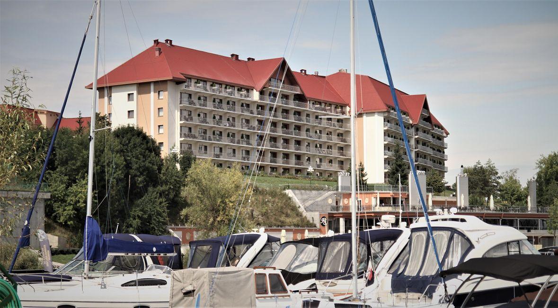 Hotel Gołębiewski w Mikołajkach.