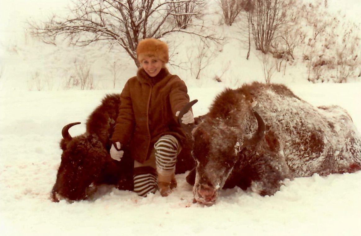 Połowa lat 80., Bieszczady. Jadwiga jeździła z ludźmi poznanymi we Włoszech na polowania jako tłumaczka