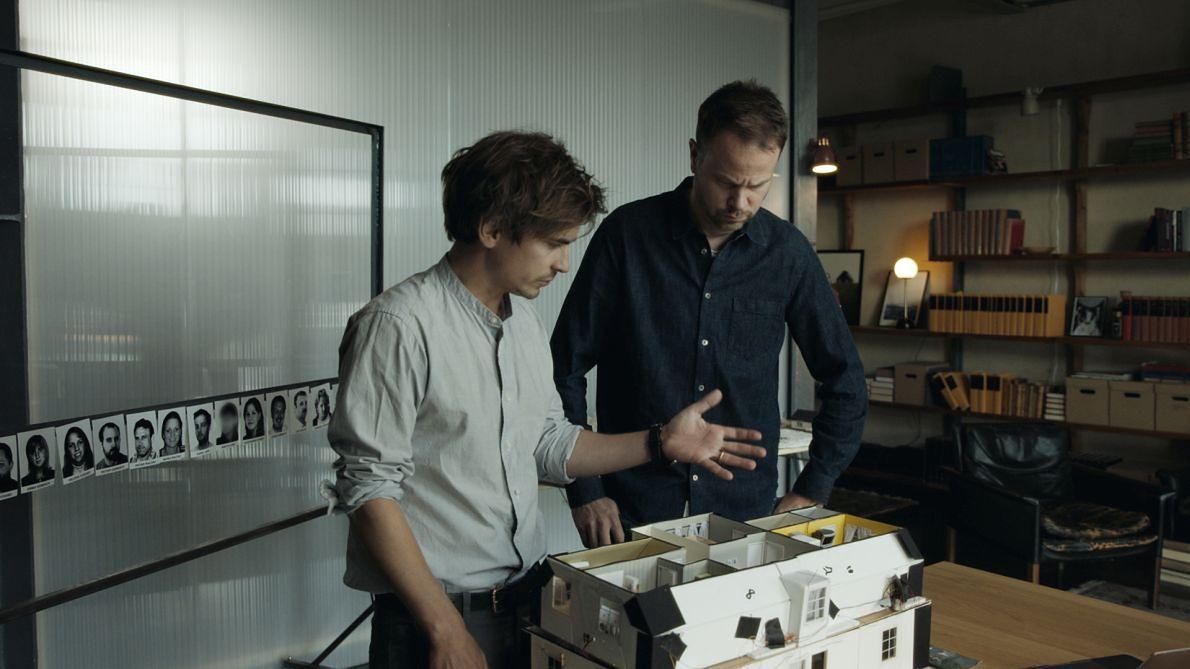 Johnson i Berg w czasie próby rekonstrukcji wydarzeń w domu pastora