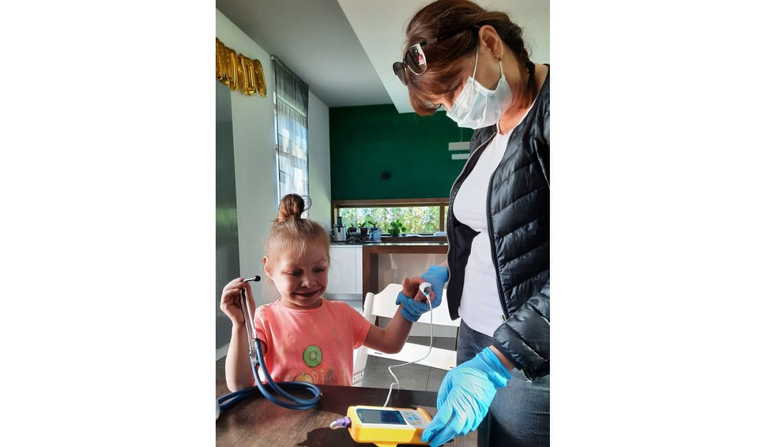 """Mama Tosi: """"Hospicjum troszczy się o naszą córeczkę dzięki specjalistycznej opiece lekarskiej i pielęgniarskiej. I to przez 24 godziny na dobę, siedem dni w tygodniu. Odwiedzające nas pielęgniarki to nianie"""""""