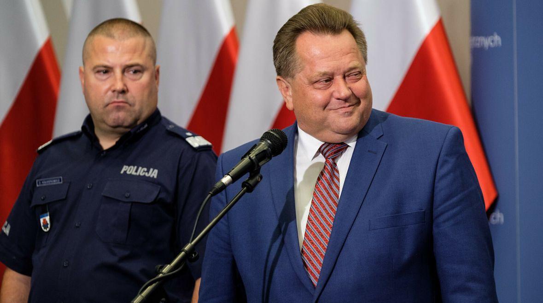 Nadinspektor Daniel Kołnierowicz i Jarosław Zieliński, wiceminister spraw wewnętrznych i administracji odpowiedzialny za policję w latach 2015-2019