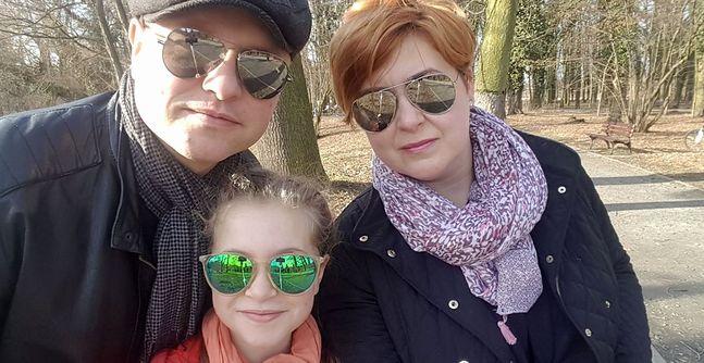Wojciech, Dorota i Julia - rodzina Prackich w komplecie