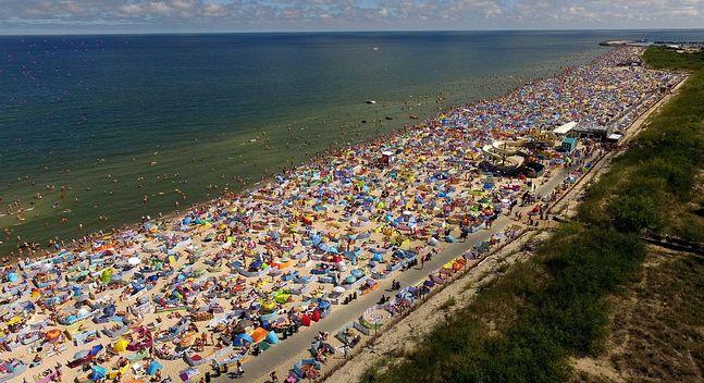 W ciągu kilku miesięcy lata mieszkańcy Władysławowa muszą zarobić na turystach tyle, żeby wystarczyło im na cały rok. Nie wszystkim się to udaje