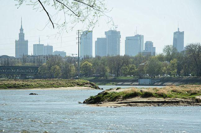 Poziom wody w Wiśle z dnia na dzień spada. 16 kwietnia wyniósł 68 cm